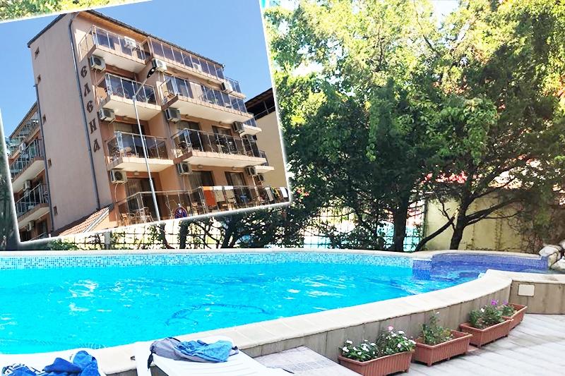 c45cc4d1a7b Нощувка за двама, трима или четирима + басейн в семеен хотел Елена, на  150м. от плажа в Приморско