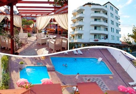 Цяло лято в РЕНОВИРАНИЯ хотел Алба Фемили Клуб, Приморско! Нощувка, закуска и вечеря + басейн на цени от 33 лв.