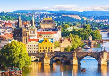 Екскурзия до Будапеща и Златна Прага! Транспорт + 3 нощувки със закуски от Караджъ Турс