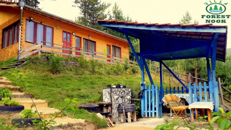 Нощувка за 6 човека край Сърница във вила Горски кът с лятно барбекю, беседка и просторен двор