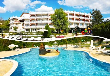 Цяло лято лукс и СПА в Балчик на ТОП ЦЕНИ! Нощувка със закуска + басейн в Hotel Elit Palace and Spa
