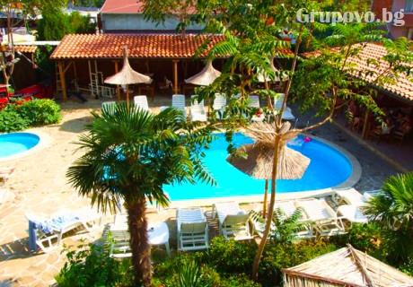 Цяло лято в Равда на СУПЕР ЦЕНИ! Нощувка със закуска + басейн в хотел Тропикана