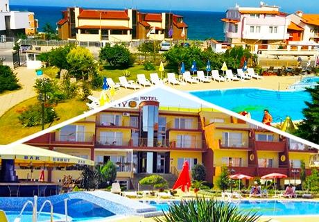 Лято в Созопол на 50м. от плажа! Нощувка със закуска и вечеря + басейн в хотел Съни