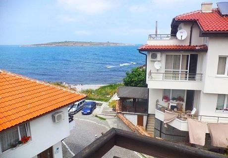 Last Minute до 20.07 в Созопол на 1 минута пеша от плажа! 1 или 5 нощувки за ДВАМА в Къща за гости Лилия***, Созопол