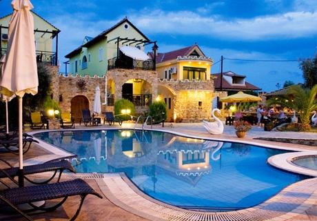 Края на лятото в тризвезден хотел на о.Тасос до Скала Потамиас - Нощувка + басейн от хотел Kastro***