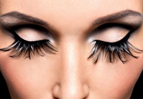 Поставяне на мигли косъм по косъм или 3D, 5D или 10D от салон за красота Мадона, София