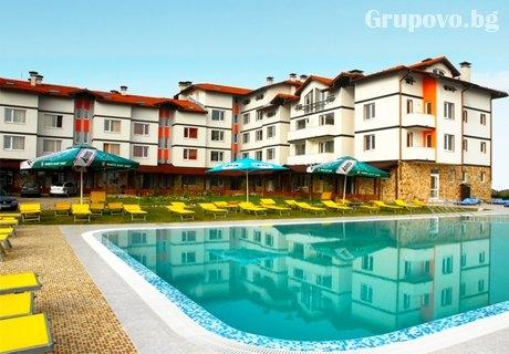 Нощувка на човек със закуска и вечеря + басейн и СПА пакет в хотел Вита Спрингс, с. Баня