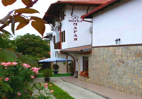 Нощувка на човек със закуска в хотел Марая***, Арбанаси