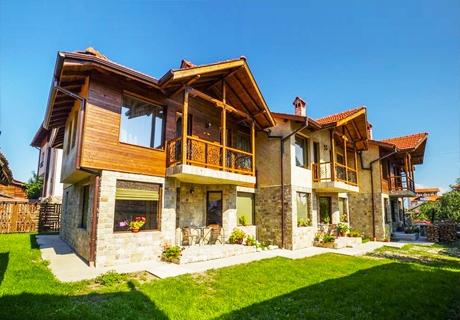 Нощувка за до 6 човека в самостоятелна къща в комплекс Рупчини къщи, Банско!
