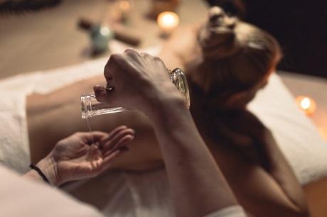 Класически масаж на цяло тяло за 60 мин от салон за красота BHP STYLE, София!