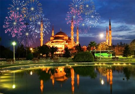 Нова година в Истанбул! 3 нощувки 3 закуски в 5* хотел на човек със транспорт и богата туристическа програма от АБВ Травелс