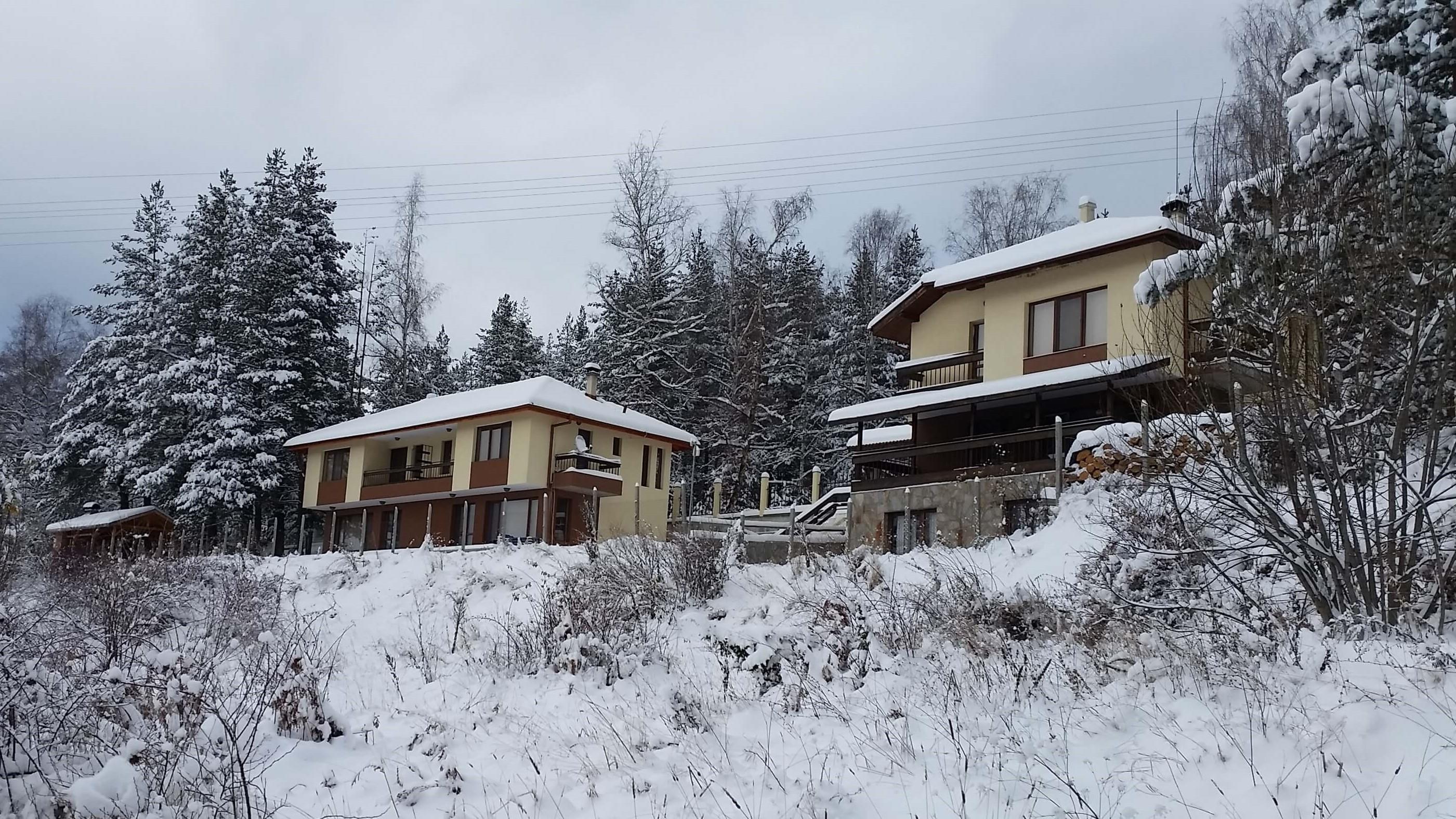 Нощувка в къщи за 5 или 8 човека в Цигов Чарк - ваканционно селище Друма Холидейз с механа и камина