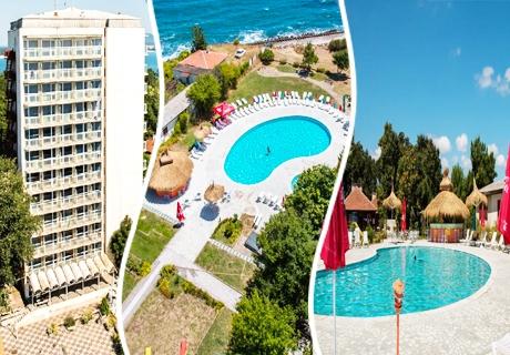 Ранни записвания за хотел Кремиковци, на 1-ва линия в Китен! Нощувка на човек със закуска + басейн, шезлонг и чадър