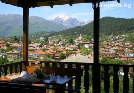 Нощувка, закуска и вечеря с напитки в хотел Панорама, Калофер