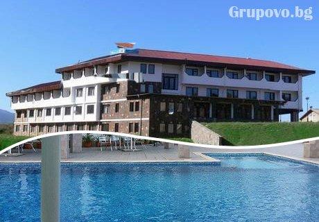 Нощувка, закуска и вечеря + басейн само за 21.50 лв. в хотел Виктория, Брацигово