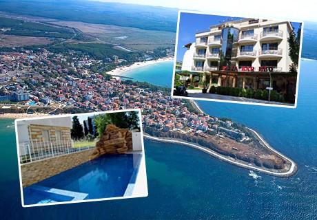 Нощувка със закуска и вечеря* + басейн на 100 м. от плажа в хотел Опал, Приморско