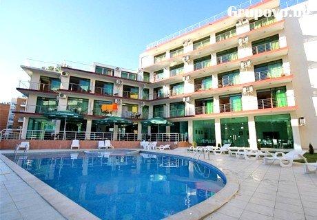Нощувка, закуска, вечеря + басейн в Хотел Хелвеция****,  Слънчев Бряг.