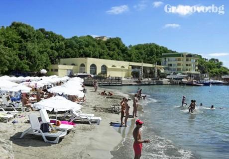 26 Август - 30 Септември All Inclusive на ПЪРВА ЛИНИЯ + чадър и шезлонг на плажа в хотел Марина***, Китен