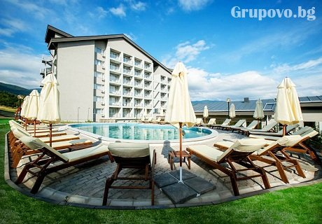 Парк хотел Кюстендил: ГОРЕЩ външен минерален басейн и СПА зона + нощувка със закуска или със закуска и вечеря на ТОП ЦЕНА