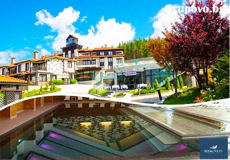 Нощувка в едноспален апартамент със закуска + басейн и СПА с МИНЕРАЛНА вода в комплекс Русковец Резорт**** Добринище