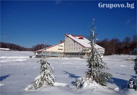 Коледа в местността Узана до Габрово. 2 нощувки, 2 закуски и 2 празнични вечери + сауна, куклен театър и посещение на Дядо Коледа само за 119 лв в хотел Импулс