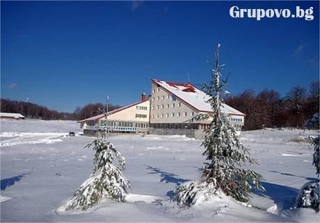 На ски в местността Узана край Габрово. Нощувка със закуска и вечеря + сауна само за 28 лв. в хотел Импулс до Габрово