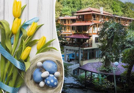 Великден край Петрич! 1 или 2 нощувки със закуски и вечери + релакс зона в хотел Света Неделя, с. Коларово