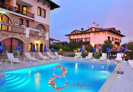 8-ми Март в Арбанаси! Нощувка, закуска, празнична вечеря + топъл релакс басейн от хотел Винпалас