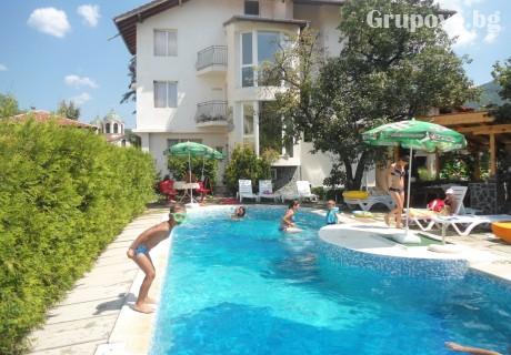 Лято в Тетевен! Нощувка със закуска и вечеря + басейн от хотел ВИТ