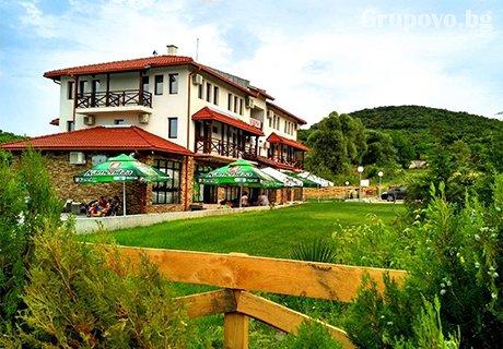Нощувка със закуска в НОВООТКРИТИЯ хотел Хефес, край Хасково