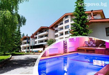 Семейна почивка в Пампорово! 2, 3 или 5 нощувки със закуски и вечери за двама с две деца + басейн и релакс център в хотел Елина***